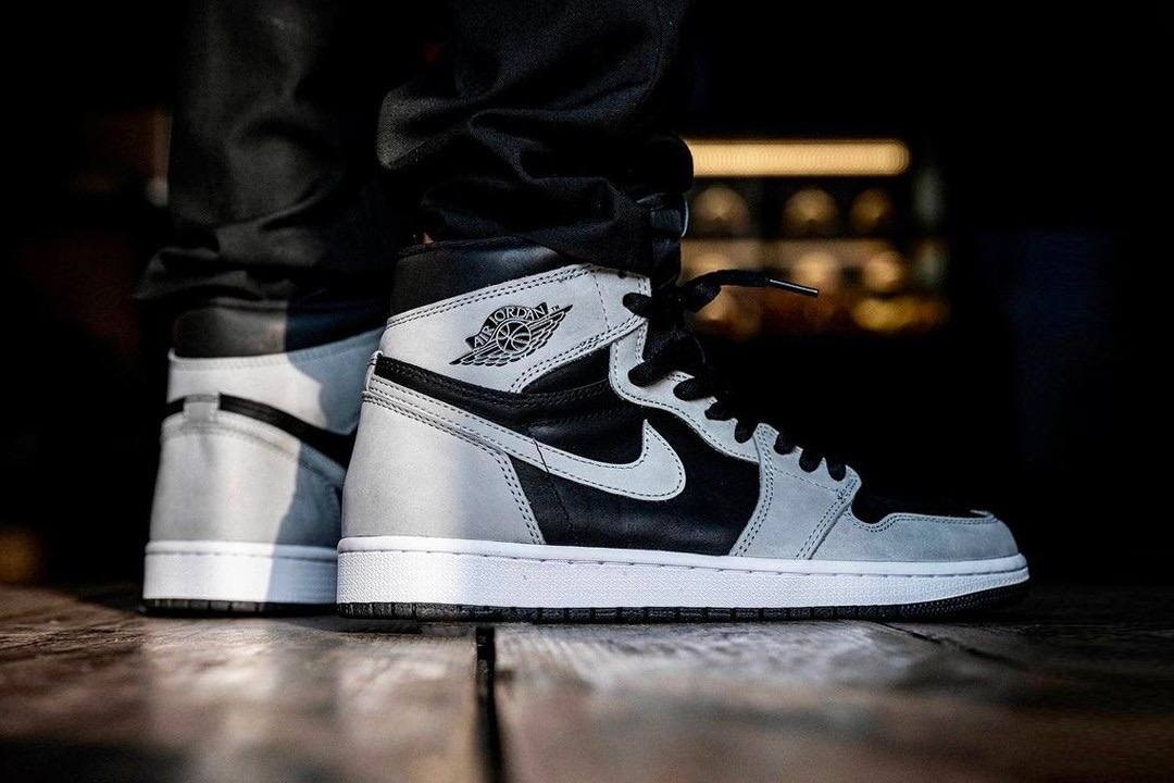 "Air Jordan 1 High WMNS ""Silver Toe"""